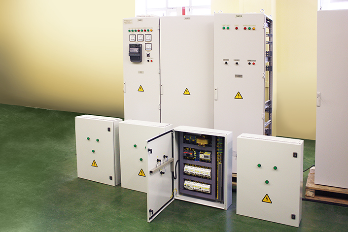Low voltage electrical switchboards